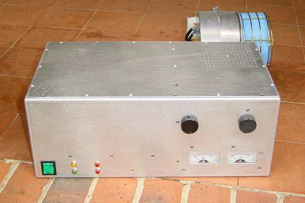 Front view of the finished amplifier